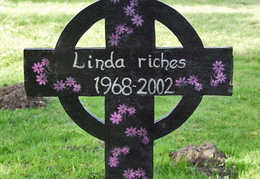 RICHES Linda 1968-2002